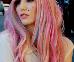 10 coafuri pe care merita sa le incerci 10 coafuri pe care merita sa le incerci love rainbow hair large prf 1291332138 thumb