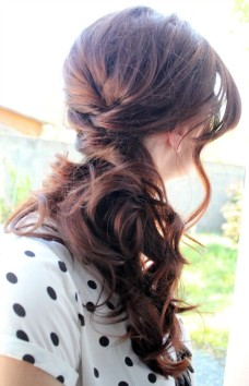 Casual-Everyday-Hairstyle-Long-Hairstyles-for-Women